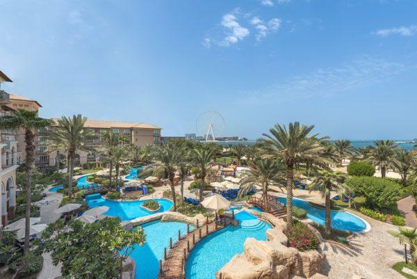 Hotelanlage und Blick auf das Riesenrad – The Ritz-Carlton, Dubai, JBR